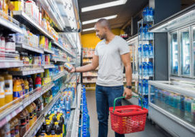 photo of shopper looking for beverage trends